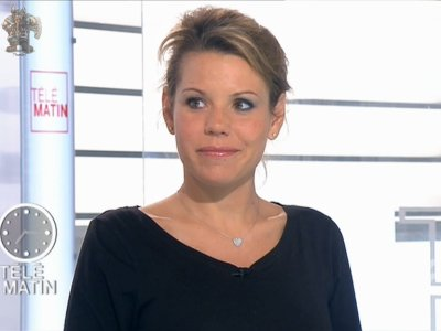 Laura tenoudji enceinte life des stars - Laura du web salaire ...