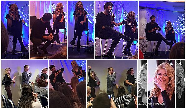 ------------+ -08&09/12/2018- Kath était présente avec quelques co-stars à la  « convention Pandemonium » à - Londres Pour cette occasion, Kath a opté pour une tenue assez simples, jean et haut noir avec une veste en cuir verte. TOP pour la belle ! ------------+