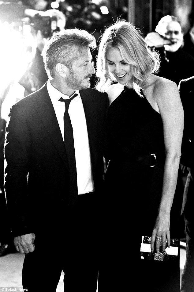 Sean Penn & Charlize Theron.