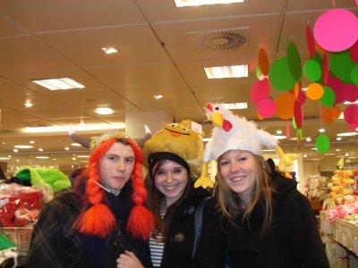 Ken, Camille et Noémie en Allemagne (essayage carnaval)
