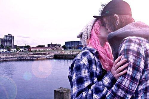 J'aurais aimé ne jamais avoir à t'aimer, parce que maintenant je te veux.