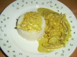 Viande: Poulet au coco, curry et noix de cajou