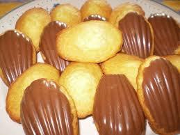 Dessert: Madeleines en coque de chocolat
