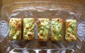 Entrée: Mini-cakes aux courgettes