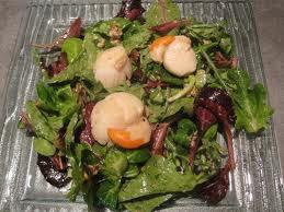 Entrée de Noël:  Coquilles Saint-Jacques en salade