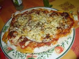 Plat principal: Pizza aux poivrons et chorizo