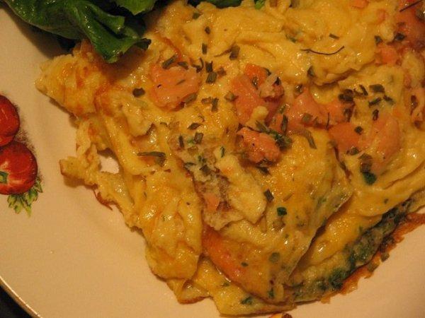 Entrée: Omelette au saumon et à l'estragon