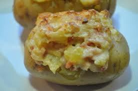Entrée: Pommes de terre au munster