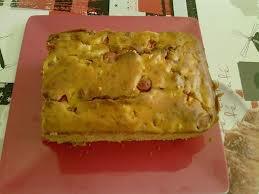Entrée: Cake aux tomates et saucisses