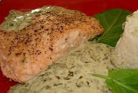 Poisson: Pavé de saumon à la crème d'oseille