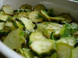 Entrée: Salade de courgettes au citron