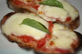 Apéro: Bruschetta tomate mozzarella