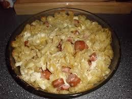 Plat principal: Gratin de pâtes aux saucisses et kiri