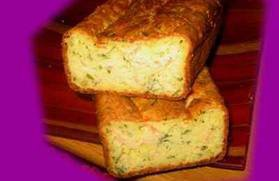 Entrée: Cake au saumon et ciboulette