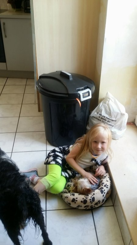 ma flle avec sa chienne