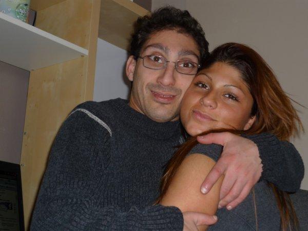 sur la photo sé moi jacky  avec ma fille marie dans ma maison
