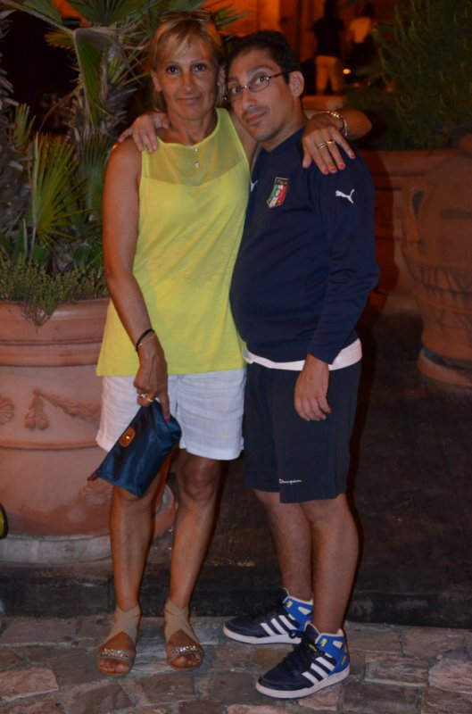 sur la photo sé moi jacky avec ma maman en vacance