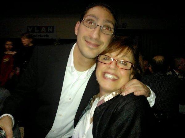 sur la photo sé moi jacky avec ma voisine vilma a la soirée