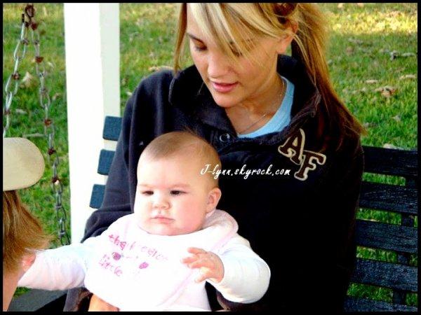 [[ PHOTO ]] Baby Maddie & Mum