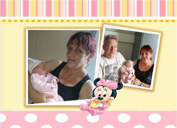je suis heureuse de vous annoncé la naissance de notre petite fille née hier a 14h22