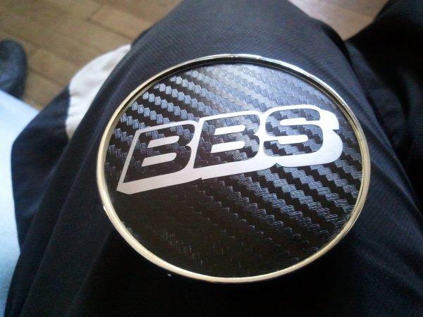 mes centres de roue (merci Sticker Perso)