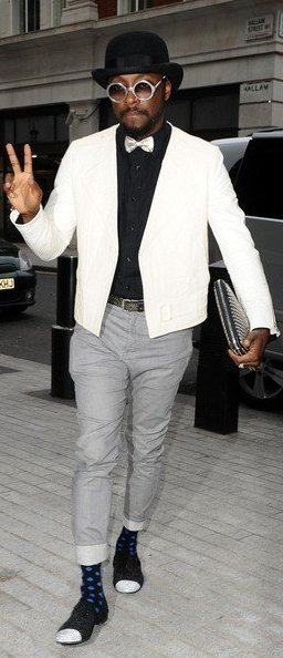 Will.i.am arrive au studio BBC