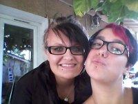 A ma meilleure amie que j'adore -Bien qu'elle soit encore plus tarée que moi-