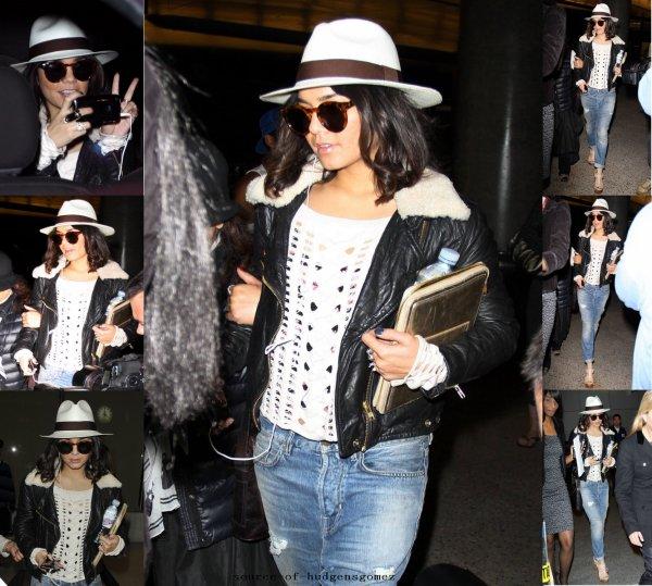 Vanessa est de retour a LAX avec Gina ( sa mére ^^ ) ! TOP ?