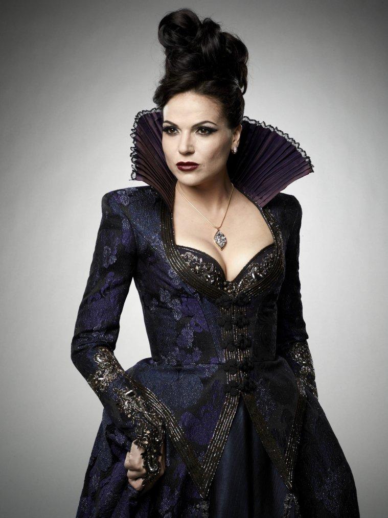 Regina Mills/Lana Parrilla