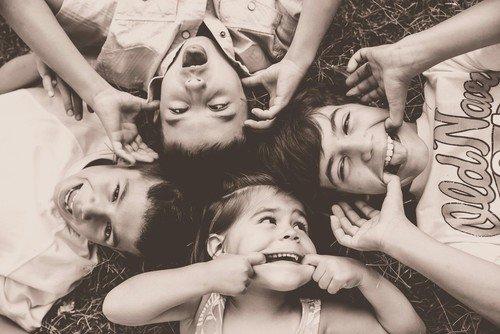 « Le vrai bonheur ne dépend d'aucun être, d'aucun objet extérieur. Il ne dépend que de nous...  » de Dalaï Lama