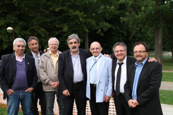 Mr le Maire de Saint  THIBAULT DES VIGNES  entouré de ses Adjoints ont reçus  Paris Colmar 2011