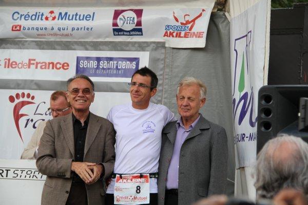 Mr le Sénateur Maire de Neuilly sur marne  et  le 1er Maire Adjoint avec Dominique BUNEL