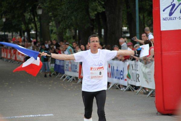 Dominique BUNEL (France) 5ème  dans Paris-Colmar 2011 à la marche