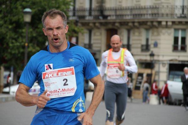 Dmitriy  OSSIPOV  vainqueur  de PARIS -Neuilly sur Marne COLMAR 2011 à la marche sera aux 28 heures de ROUBAIX