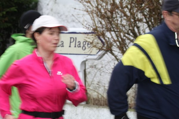 c'est la bonne saison pour se baigner dans la Marne (Janvier2012 stage de de ........marche°