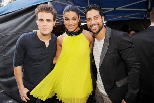 22.07.12. Paul était au Teen Choice Awards et il a remit un prix + quelque photos dans les coulisses.