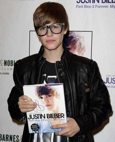 Justin Bieber a volé les lunettes de Camélia-Jordana !