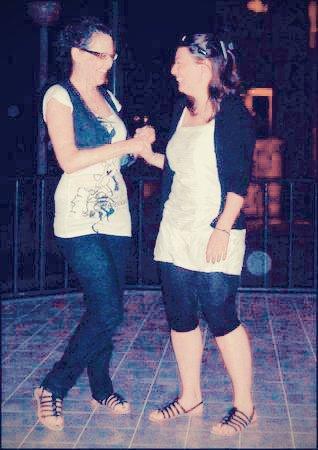 L'amitié, c'est la fidélité, et si on me demandait qu'est-ce que la fidélité ? Je répondrais, c'est elle * ...