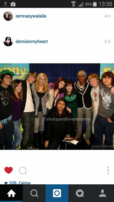 Cast de Sonny with a chance avec Selena Gomez :)