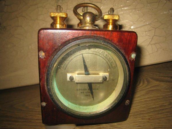 Appareil galvanomètre anglais daté 1916