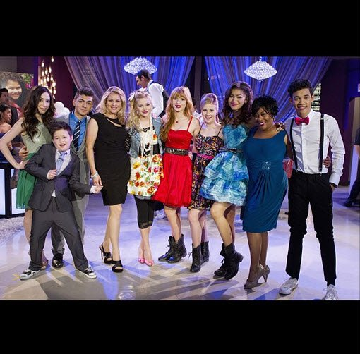 "Photo: ""Shake It Up"" Cast Avec Olivia Holt le 22 Août 2013"