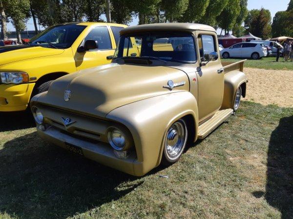 Ford Pickup V8