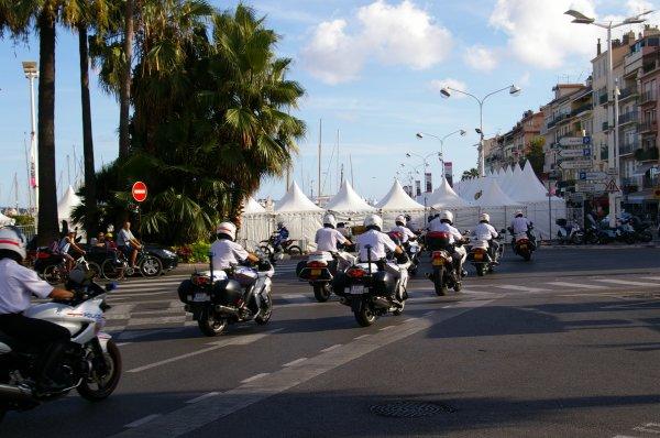 Quelque motards de la Police derriere moi !