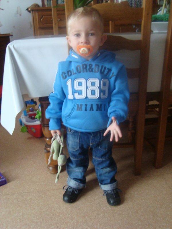 mon fils timéo 2 ans et demi jtm mon gros