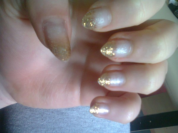 Nail Art ( debutante donc soyez indulgents :P )
