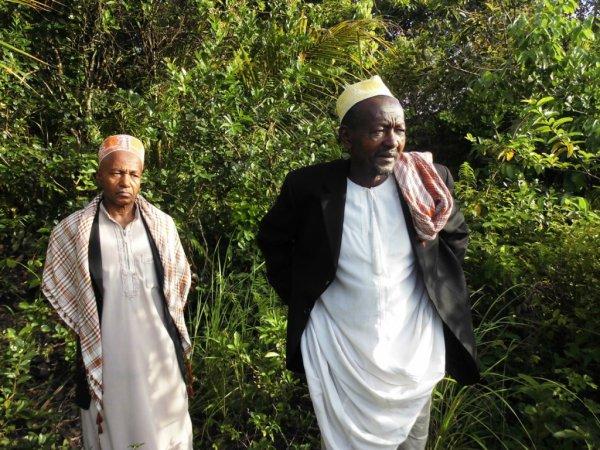 Achat d'un terrain à Mvouni par le yezi actuel de Nioumadzaha Bambao pour nos étudiants de l'Université des Comores