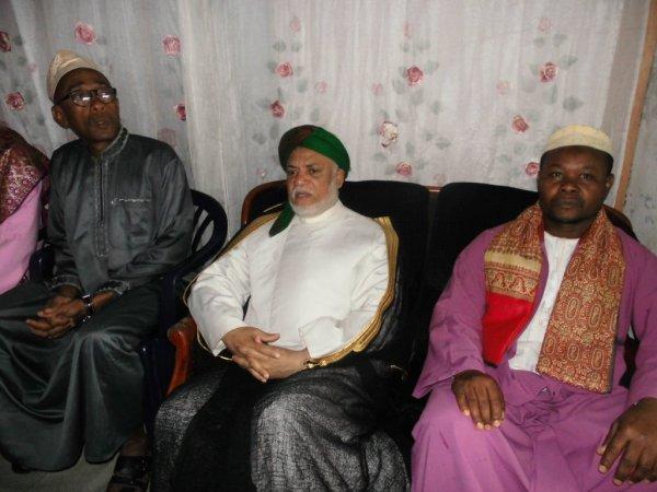 L'ancien président Ahmed Abdallah Mohamed Sambi à Nioumadzaha cet après midi