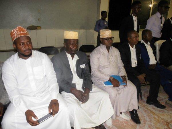 Said Athoumane STENS a ouvert son premier meeting ce soir à la place publique de Mdramboini