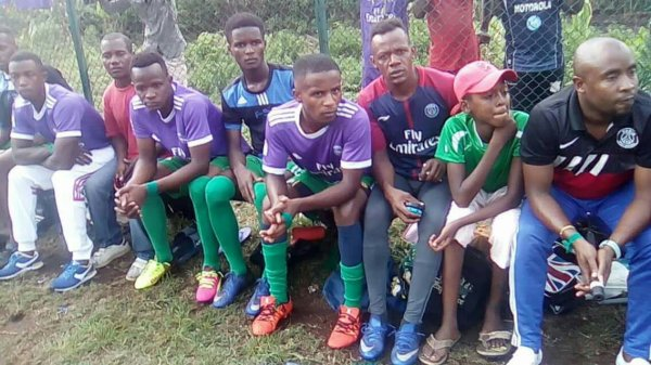 L'équipe de football Étoile des Comores de Nioumadzaha Bambao passe en D1