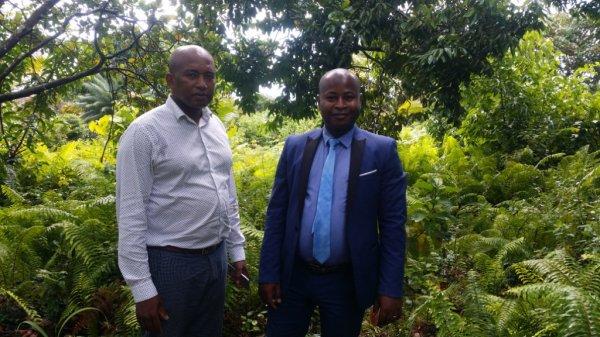 Visite à MVOUNI du Vice président et du Secrétaire de l'Association des jeunes de Nioumadzaha